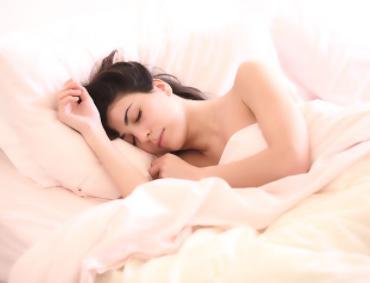 Spać na plecach, biorąc tłuszcz zdrowy i zrównoważony